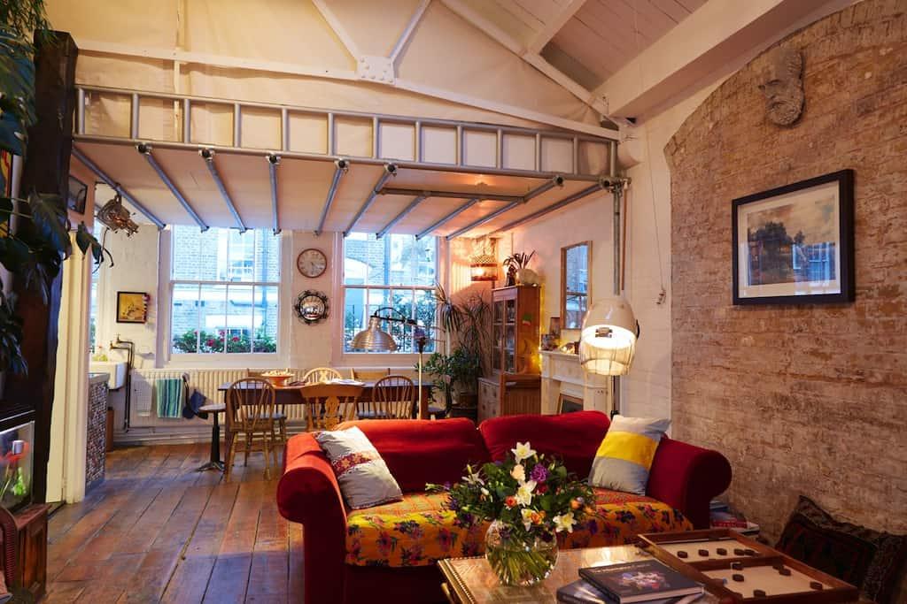 Short let London apartment rentals in Hoxton Loft